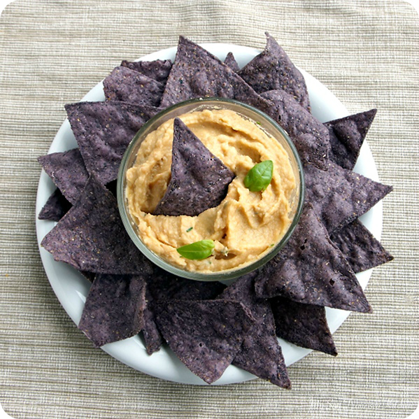 tomato basil hummus