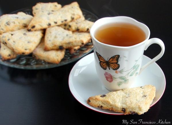 currant scones with tea