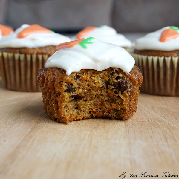 carrot cake cupcake bite