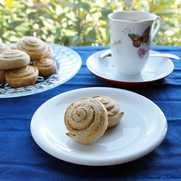 cinnamon roll coffee